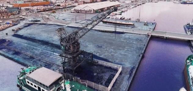 La grue Wellman au Bassin à Flot qui accueillera Hors Bord