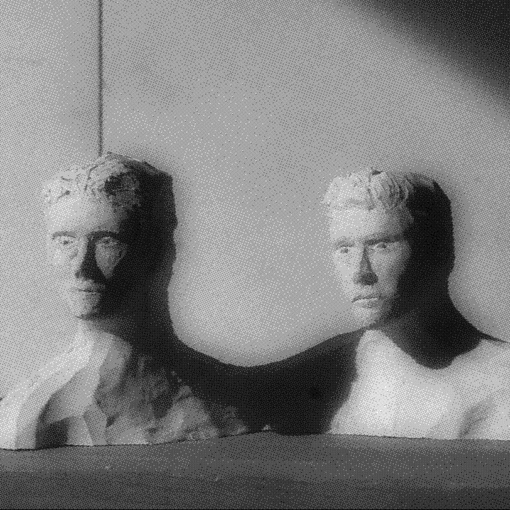 Rencontre avec le duo bordelais Modern Collapse qui sort son premier album Anti-Club Music Club et réinvente la musique club.